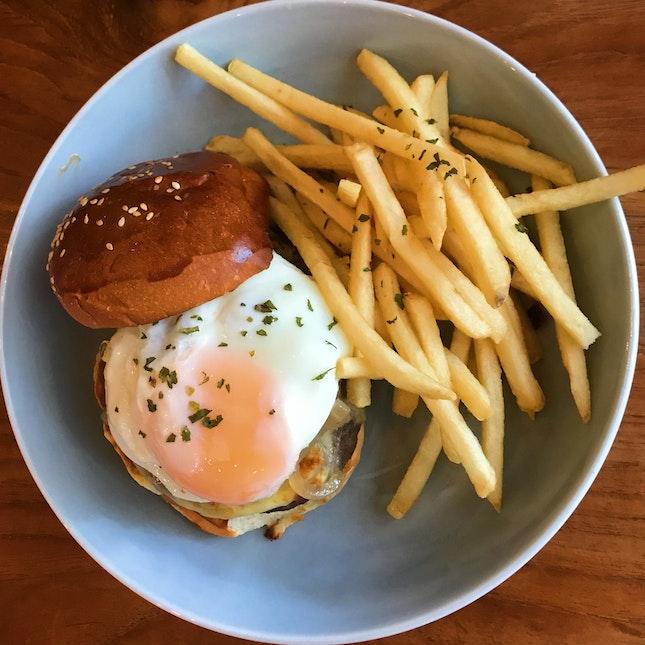 Angus Beef Burger ($18) 🍔