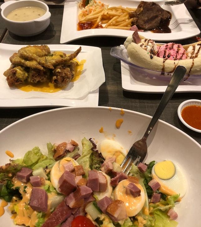 Smoked Duck Salad + Banana Split + Salted Egg Wings + Sirloin Steak