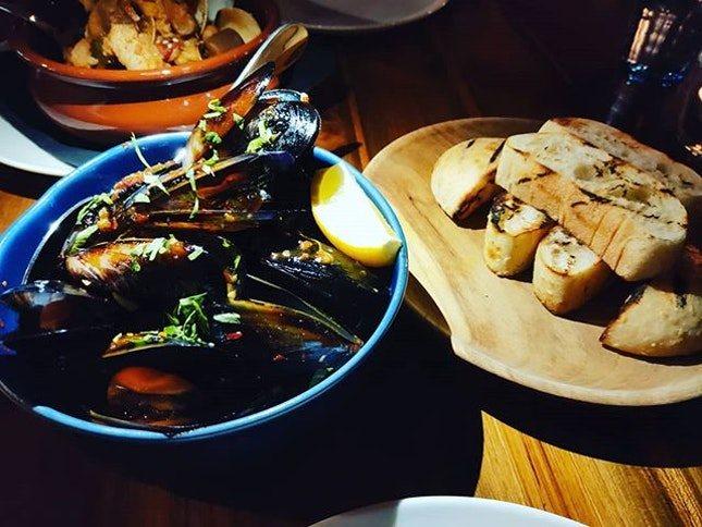 Full Circle Mussels 👍🏻👍🏻👍🏻👍🏻👍🏻 $25++ .