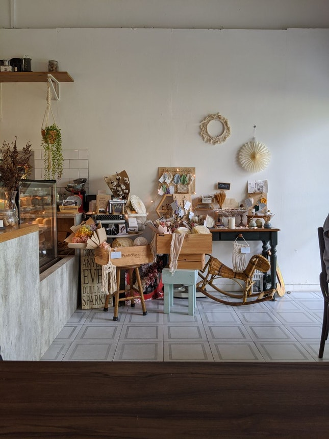 Pretty Cafe, Decent Coffee