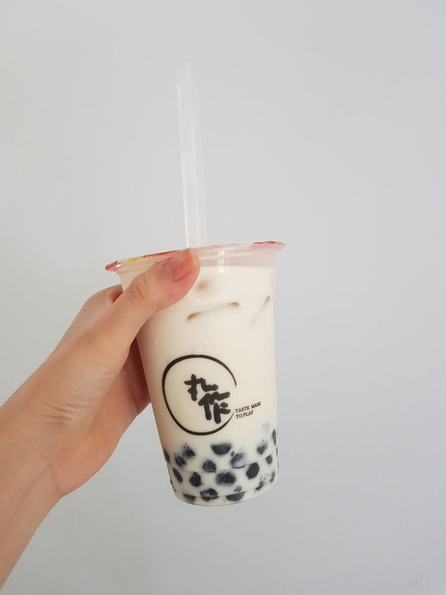 chrysanthemum tea w black sesame pearls
