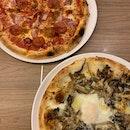 Pizzzzzzas