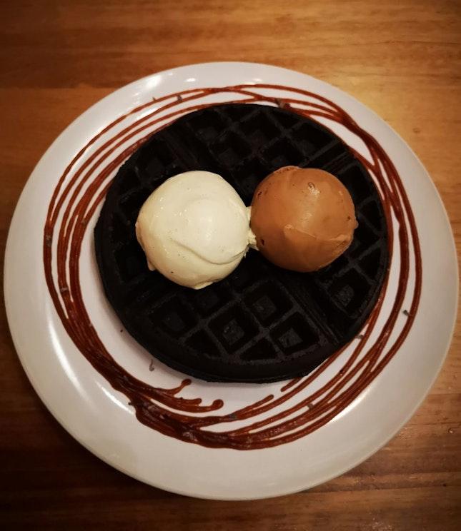 Double Scoop On Charcoal Waffle ($15+)