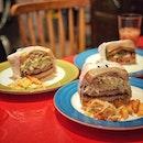 """""""Japanese TONKATSU SANDO is here in Singapore."""" ・ 📌Grand jete cafe & bar ・ 場所がわかりにくいとは聞いてはいたけど、本当にわかりにくかった(笑)  高島屋のタワーBを出たところにあるカフェ。  店員さんも少し日本語が話せます。  Double Decker $7.4 Devil Egg $5.9 Basque Cheeze Cake Set $8.5  カツサンドはトンカツ2枚と千切りキャベツたっぷりでとんかつソースとマヨネーズの黄金コンビ。  これで$7.4とは驚き。  デビルエッグも半熟たまごたっぷりでクリームチーズとマヨネーズの黄金コンビ。  2つとも子供達は大きなお口でペロリ。  友達が頼んだスモークサーモンも美味しそうでした。  バスクチーズケーキは+50¢でコーヒーか紅茶のホットかアイスのセットにできて超お得。 アイスミルクティーを頂きました。 ケーキがまさかの半円で出てきてびっくり。 どうやらセットで頼むとこのカットで出てくるようです。 トロけるタイプとは違うけど、濃厚で美味しい。  場所がわかりにくいが故に空いていて穴場と聞いていましたが、この日はたまたまなのか大繁盛で、しかもそのほとんどが日本人で、まるで日本にいるかのような錯覚さえ起こすほどでした。  日本の古き良き喫茶店を思わせる穴場カフェでした。  #grandjetecafeandbar #tonkatsusandwich #喫茶店 #シンガポールグルメ#シンガポールカフェ#シンガポール生活 #シンガポール #シンガポール在住 #シンガポール旅行 #lovesg #singapura #singaporelife #シンガポール子育て #🇸🇬 #singaporeinsta #singaporeinsiders #igsg #singaporecafe #sgcafe#sweettooth #sgcafehopping #eatoutsg #foodpics #burpple #みど散歩"""