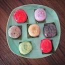 """""""Ang Kuh Kueh tasting"""" ・ 📌Poh Cheu Soon Kiev and Ang Ku Kueh ・ I tried 7 flavors out of 12 in total at Poh Cheu."""