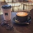 """""""The cafe is roomy and comfortable in business district"""" ・ 📌Mellower Coffee ・ ダンジョンパガーのオフィス街にある広くてゆったりとしたカフェ。  ダンジョンパガー店は黒と茶色を基調ととした落ち着いた雰囲気。 wifiもコンセントもあって仕事や読書をするのにも向いていそう。  調べたらこちらもburpple対象店でしたが、1杯はここで飲んで行きたいけど2杯は多いしなぁと思ってダメ元で聞いてみたら、1杯だけテイクアウトにすることもできるとのことで頂いちゃいました。  Cafe Latte $6.2 Rooibos Tea -$6.2  店内で売られている豆はパッケージも可愛くプレゼントにも喜ばれそう。  元は上海発のサードウェーブコーヒー店で、現在シンガポール内に5店舗あり、各店舗によって雰囲気がまた違うようなので、他店にも行ってみたいです。 burppleも5店舗全店対象店です。(クーポンは各店4枚ずつあるので計20枚あります)  @mellowercoffee_sg #mellowercoffee  #シンガポールグルメ#シンガポールカフェ#シンガポール生活 #シンガポール #シンガポール在住 #シンガポール旅行 #新加坡 #海外旅行 #singaporeinsiders #travelsingapore #singaporetrip #singapura #singaporelife #sginstagram #igsg #singaporediaries #sgfood #sgfoodies #sgeats #sgfoodstagram #sgcafe #sgcoffee  #みど朝活隊  Burppleは有名カフェなど対象店舗が激アツの1 for 1 アプリです。 #本日のburpple活動 で今まで1for1で食べたものを載せてるので参考にしてみてください。 11/15まで限定で通常$99ドルするPremium会員の年会費が30%OFF($69.3)になるコードはコチラ➡︎MIDO187 使い方など詳しくはブログにて!  プロフィール @dorimingo813 のURLから飛べるので、よかったら覗きにきてくださいね。  #burpplebeyond #1for1 #burpple #burppleの回し者ではありませんw  #とにかく本当におすすめのアプリです"""