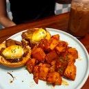 Eggs Benedict With Steak