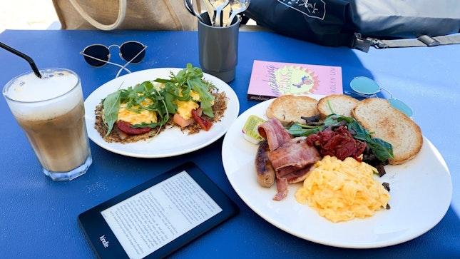 Coastes Breakfast ($23) & Rösti With Smoked Salmon And Scrambled Eggs ($18)