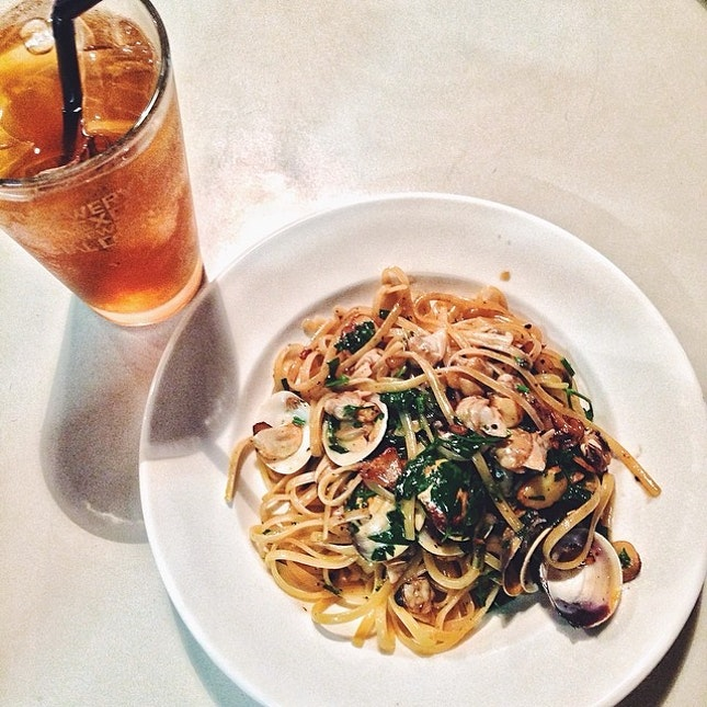 Aglio Olio Pasta  I must said the standard wasn't as good as my last visit.