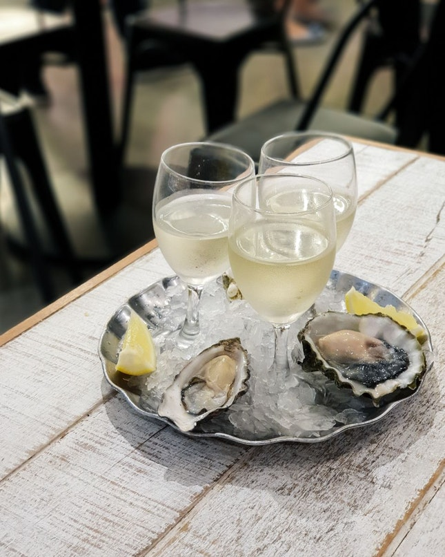 Oyster & Wine Tasting Plate (Rm50)
