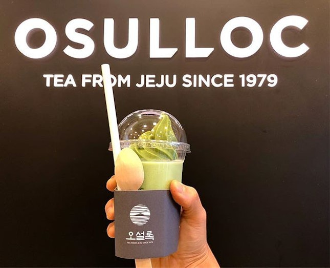 Green Tea O Fredo (8,500won) - Osulloc signature green tea blended with ice and topped off with a swirl of softserve.