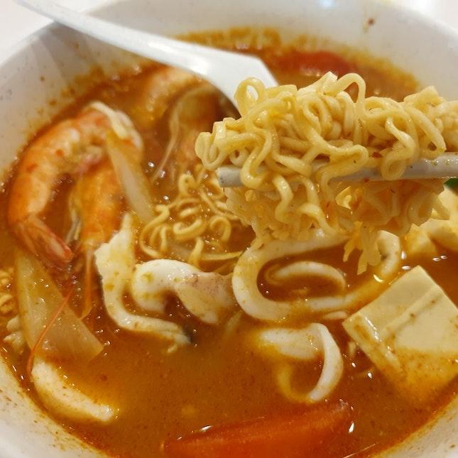 Tom Yum Maggi Seafood