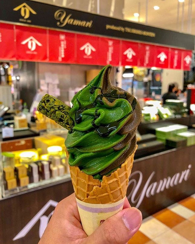 🍵 Last chance to get your hands on this amazing matcha soft serve ice cream from @tsujirihei_honten !