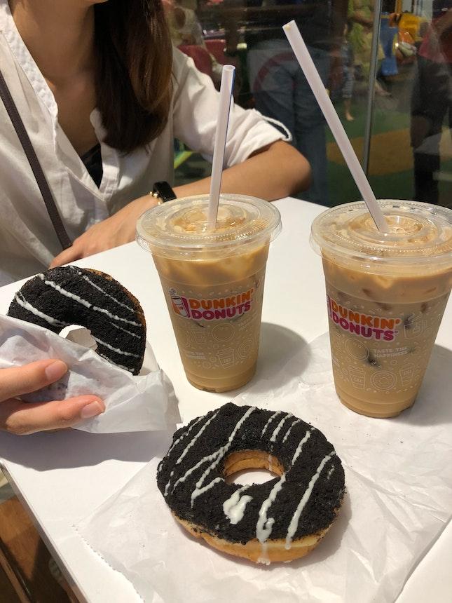 Cookies n Cream 🍩 w/ Iced Latte