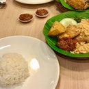 Ayam Penyet Ria (Lucky Plaza Level 1)