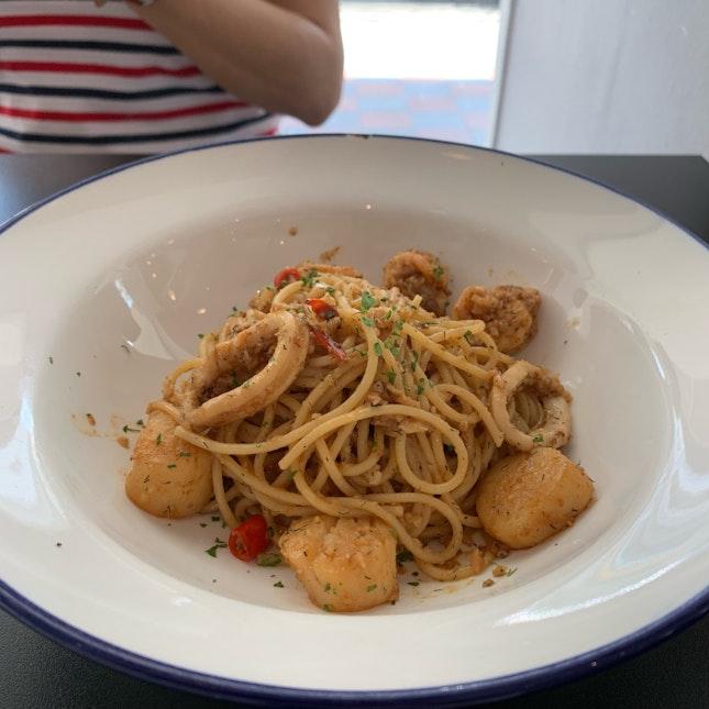 Well Balanced Plate Of Seafood Aglio Olio