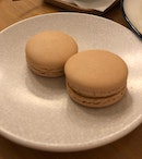 Speculoos Macarons ($3/pc)