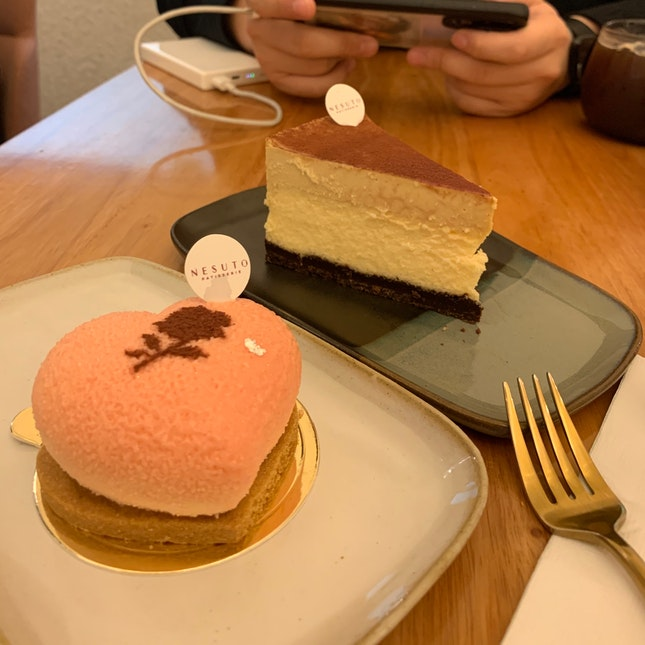 Good Place To Chill And Good Dessert