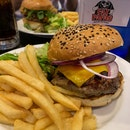 Shroom Melt Burger ($13) + raw onions ($1)