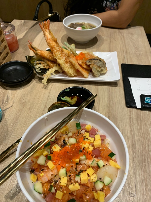 Good Chirashi And Fried Items