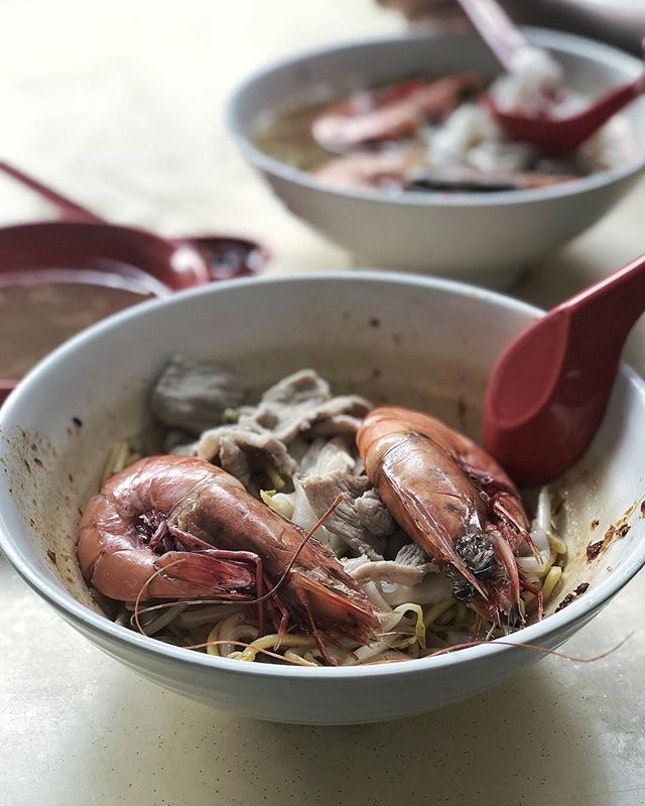finally a taste of this legendary prawn noodle so many people been raving about!
