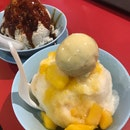 Mango Shaved Iced With Durian Puree (榴芒冰)
