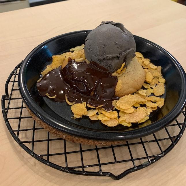 Chocolate Lava Cookie + Ice Cream Set