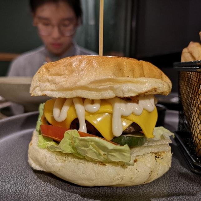 Beef Burger [RM32.90]