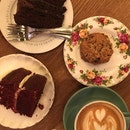 Dark Chocolate Cake, Raisin Cookie, Red Velvet Cake & Latte