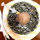 Salted Egg Yolk Waffle With Chocolate Ice Cream