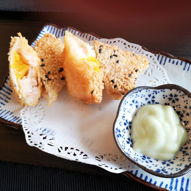 Mango Prawn Salad Roll