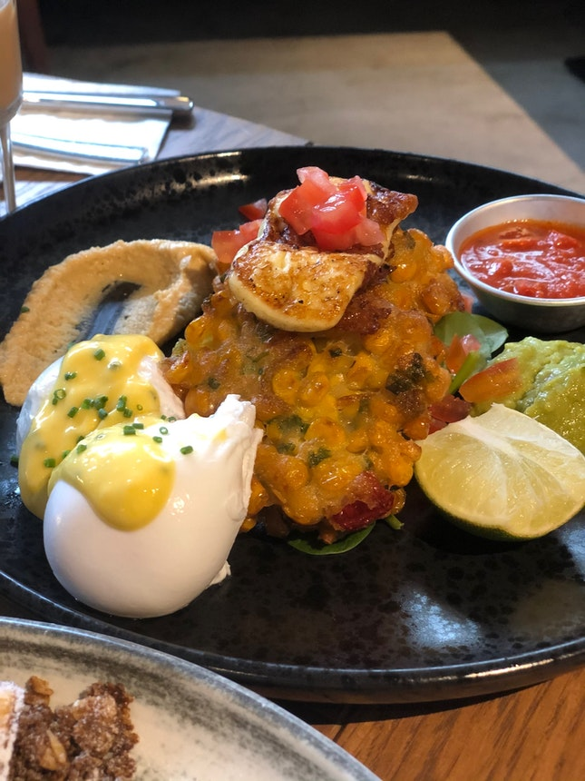 Corn fritter and grilled halloumi