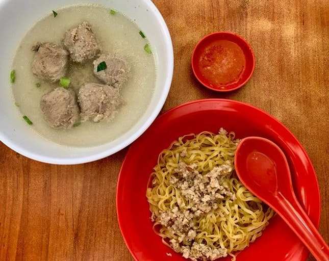 Near Lavender MRT is The Beef House, commonly known for good Hakka Yong Tau Foo.