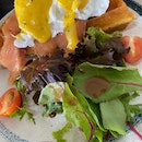 Smoked Salmon Egg Benedict