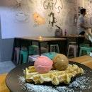 Bandung & Thai Milk Tea Ice Cream + Waffle