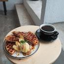 Apple Crumble Waffle
