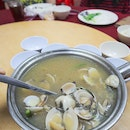 Clams In Superior Soup (Xiong Tong Lala)