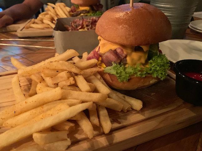 avocado burger!!