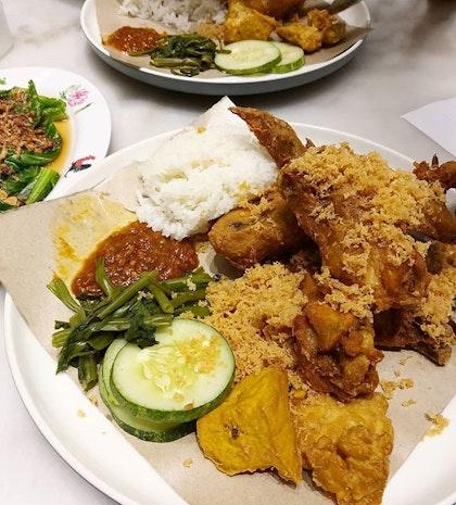 Best Indonesian Food Restaurants In Jurong West Singapore 2021 Burpple