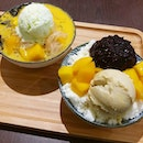 😍 Durian Snowflake with Black Glutinous Rice & Mango Pomelo Sago with Honeydew Ice Cream.