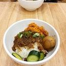 Braised pork rice at Toast Box.
