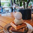 Really good pistachio ice cream!!