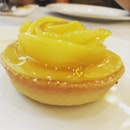 Pretty and delicate mango tart shaped like a rose!