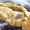 Soft garlic bread from #dukebakery #dukebakerysg!!!