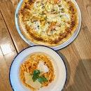 Laksa PIZZA & Crab PasTAA