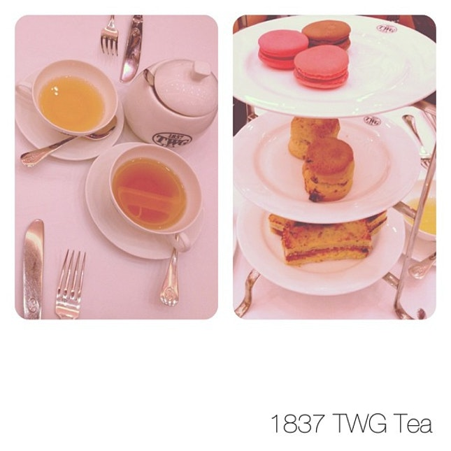 Spoiling ourselves with a lovely afternoon tea !