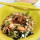 #seletarshengmian #生面 #toapayoh #longqueue #burpple nice piping hot bowl of noodles to face the cold rainy morning