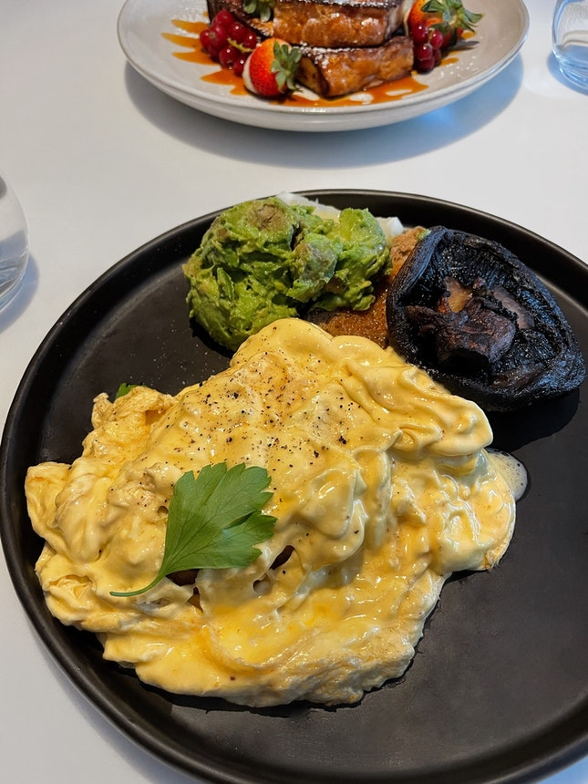 Scrambled Eggs on Toast ($13) + Portobello Mushroom ($4) + Avocado ($5)
