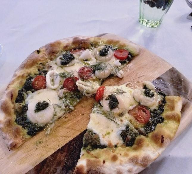 Hokkaido Scallop, Squid & Herbs Pizza