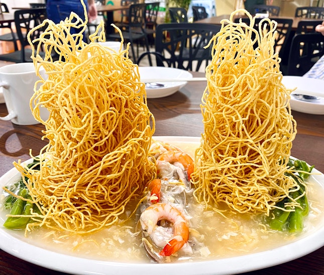 Twin Towers Crispy Noodles ($10)